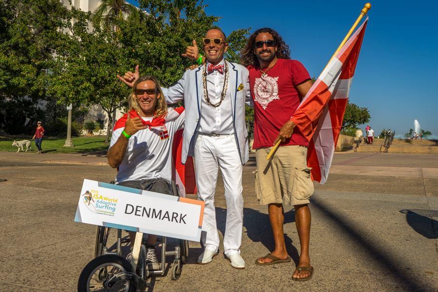 Bruno Hansen, dansk ISA Verdensmester for Adaptive Surfing. Her i selskab med Fernando Aguerra, ISA President.