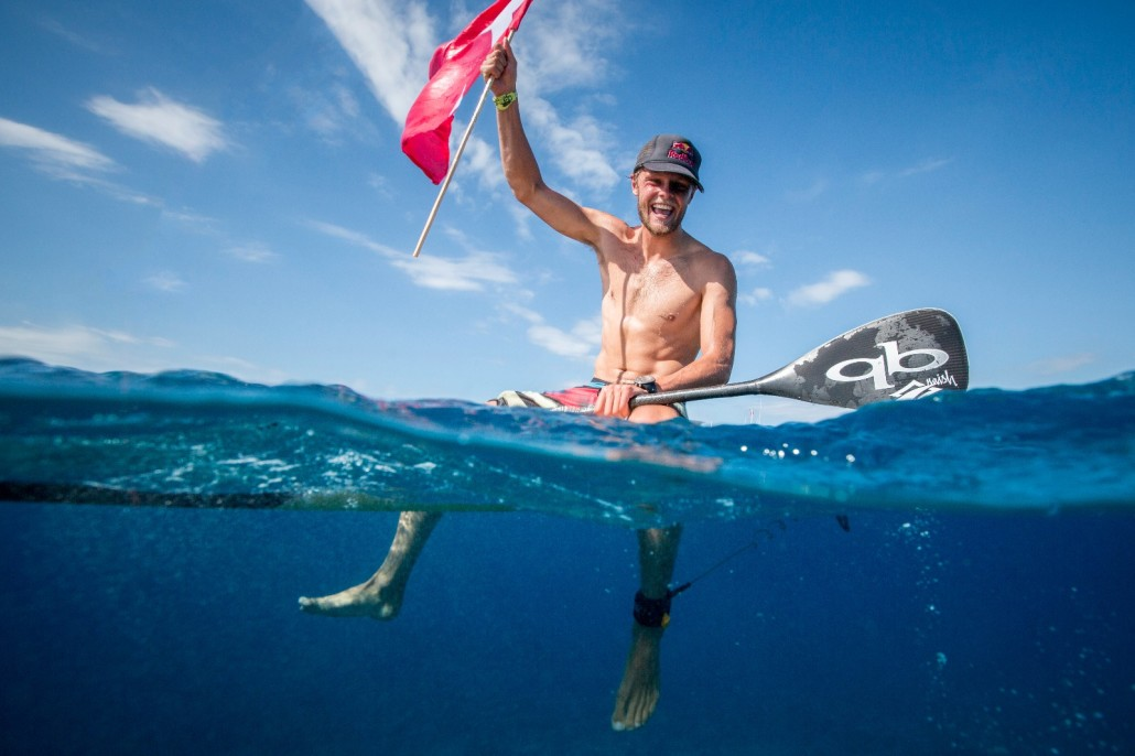 Dannebrog fløj højt, da danske Casper Steinfath i dag på Fiji vandt sin 3. VM titel. Photo: ISA / Ben Reed